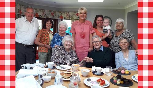 tea-party-contact-elderly